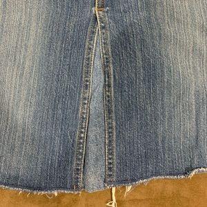 Old navy denim skirt, size 4 below the knee